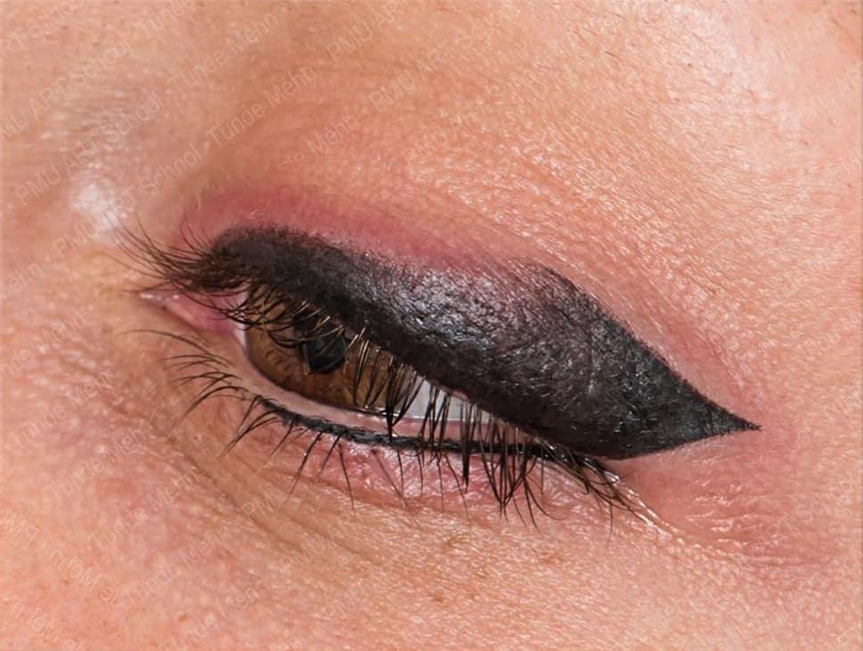 איליינר איפור קבוע עיניים